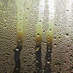 雨の日のエアコン掃除